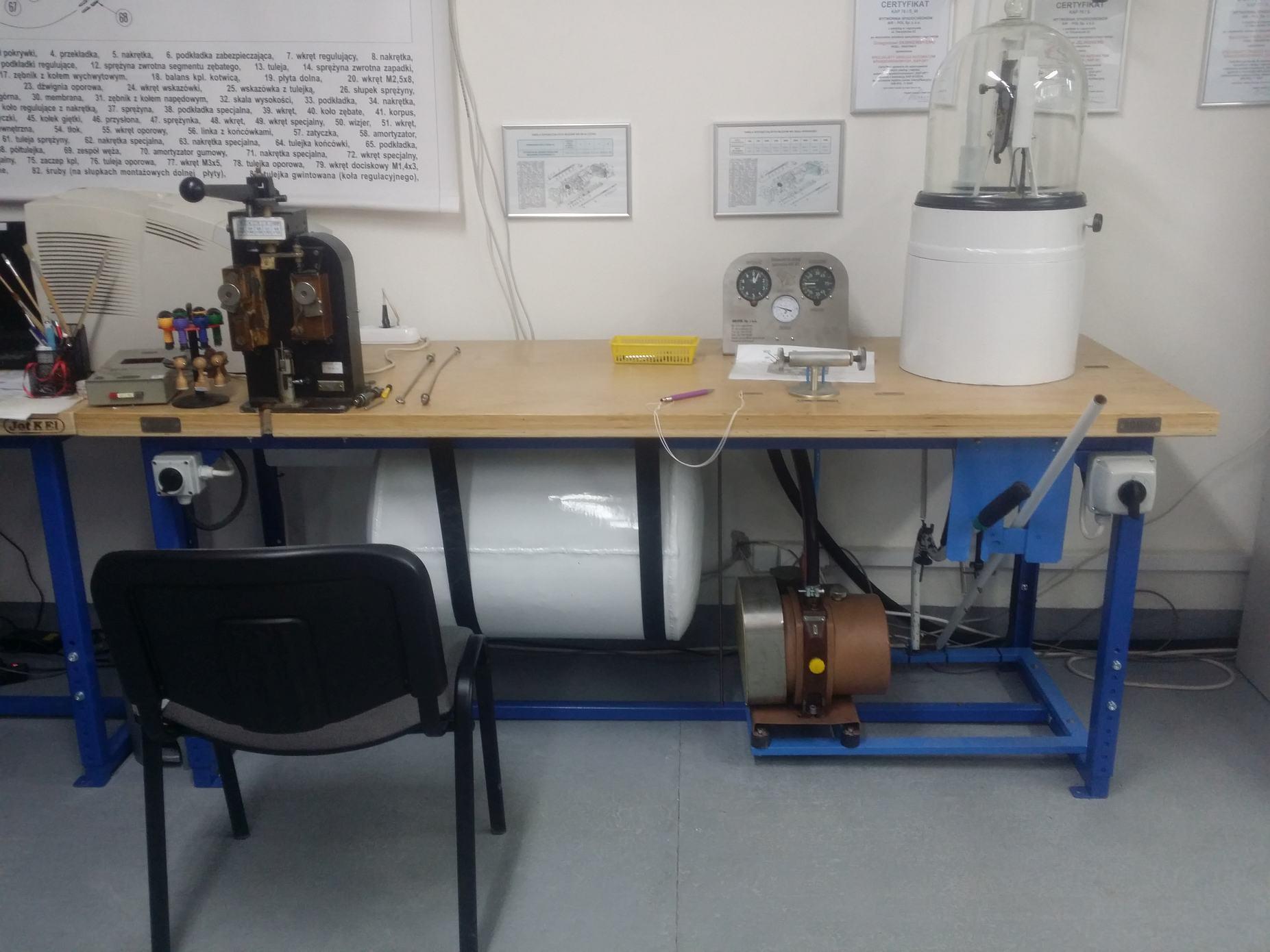 Obsługa automatu KAP-3P1 - stanowisko do badania automatów
